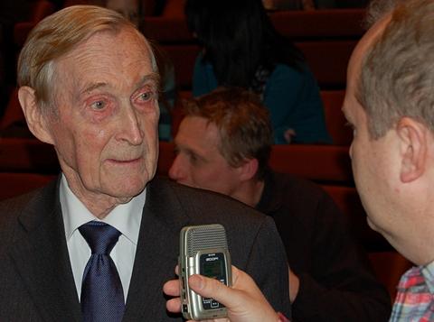 Gunnar Sønsteby intervjues av Dag Yngland (foto: Olav A. Øvrebø)