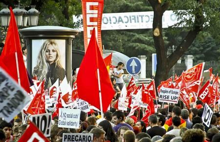 Finanskrise og eurosparing har fått venstresiden i Europa tilbake på gatene. Men er opprøret så mangfoldi at regjeringsmalten glipper? Foto: CC Fabricio de Paula