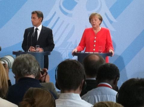 Alle sjefers sjefer? De store EU-landene Tyskland og Frankrike er de eneste som har penger nok til å løse euro-krisen. Skaper de dermed et demokratisk underskudd?