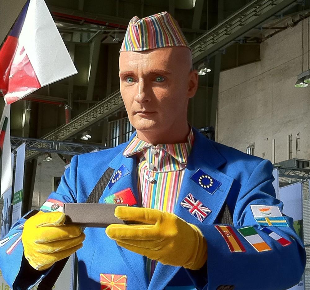EU-mannen. Må EU skaffe seg en Superhelt som kan disiplinere de slappe medlemslandene i økonomiske reformer? Foto: Dag Yngland