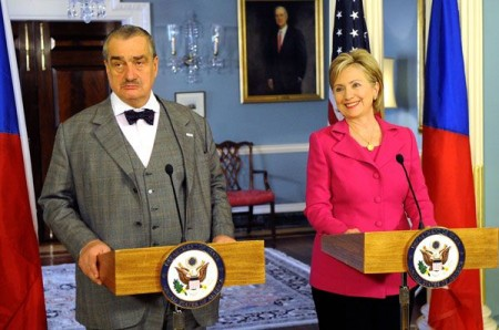 Den tsjekkiske utenriksministeren Karel Schwarzenberg ligger an til å komme til annen runde i det tsjekkiske presidentvalget. Den adelige