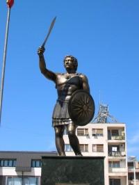 Gresk eller makedonsk? Statue av Aleksander den store i Skopje. Foto: CC/