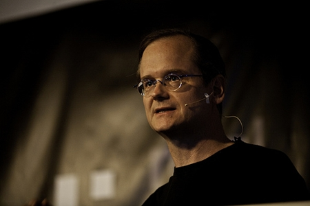 Lessig under foredraget i Berlin (foto: re:publica'09, CC-lisens by-nc)